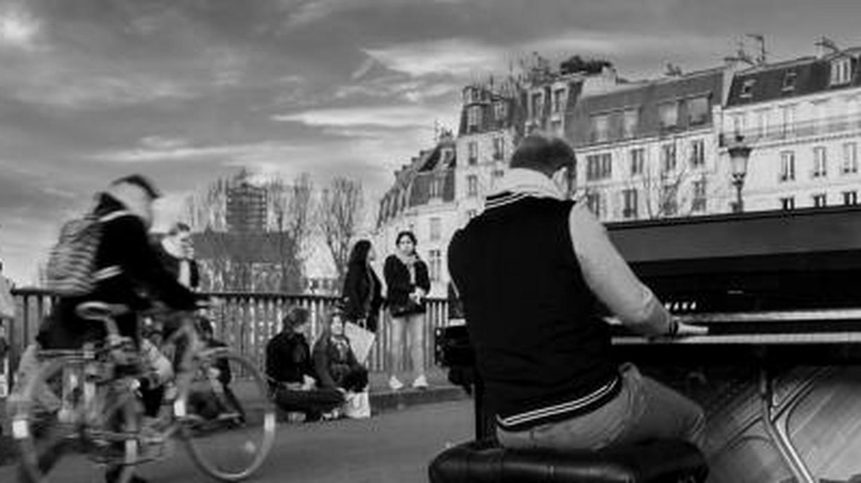10 Songs That Capture The Soul Of Paris