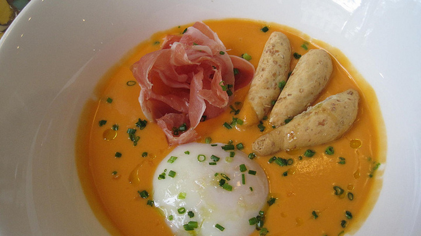 Salmorejo at Jaleo DC | © ShashiBellamkonda, Flickr