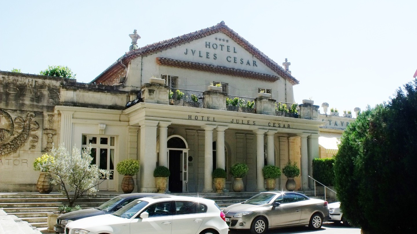Hotel Jules Cesar - Arles © Elliott Brown/Flickr