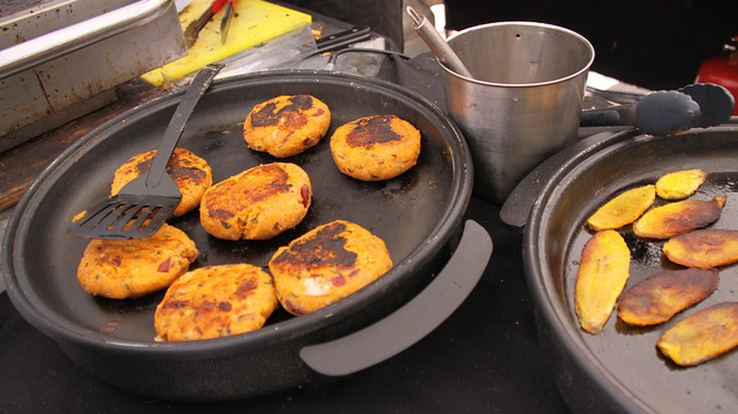 Jerk veggie cakes in Jamaica I © Chris Goldberg/Flickr