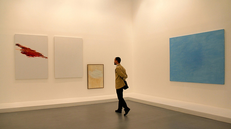 Person Enjoying Works at Caumont Center d'Art | ©Renaud Camus/Flickr