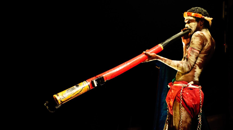 Aboriginal man playing the Didgeridoo | © Graham Crumb/Imagicity.com/WikiCommons
