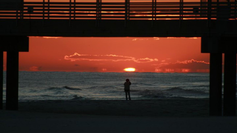 Orange Beach sunset   © gtokgoz/Flickr