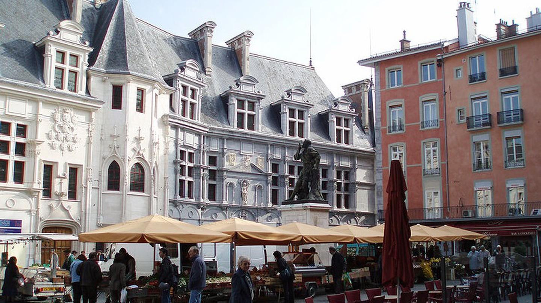 Vue d'ensemble de la place Saint-André, à Grenoble | © Oudetb/WikiCommons