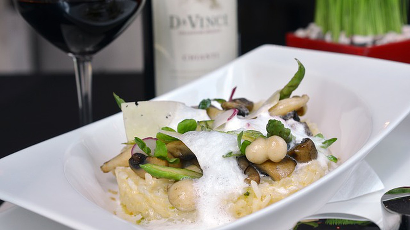 Italian risotto and wine © teguhgalih/pixabay