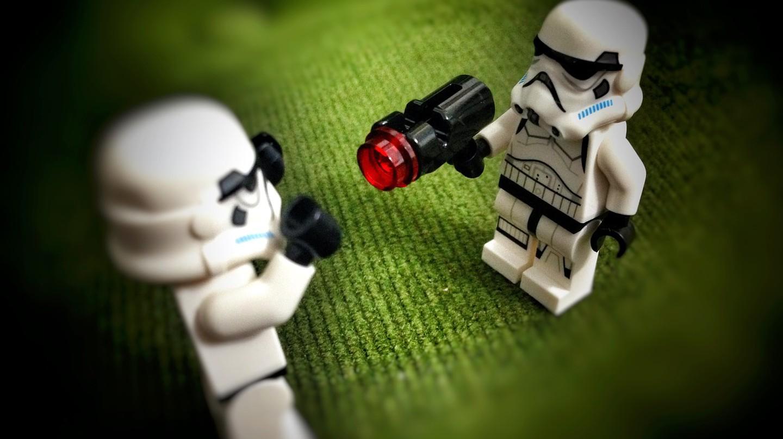 Lego Stormtroopers   © aldobarquin/Pixabay