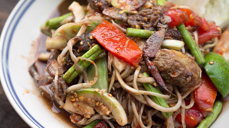 Som Tam Lao, or Green Papaya Salad | © Takeaway/WikimediaCommons