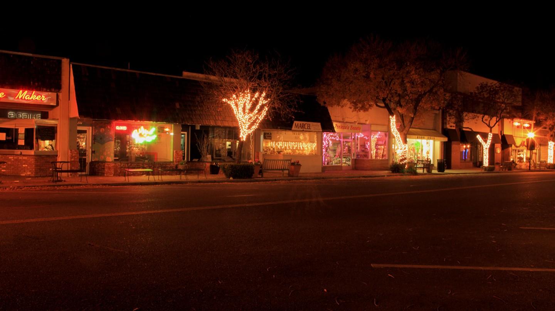 Los Altos at night © Jeff/Flickr