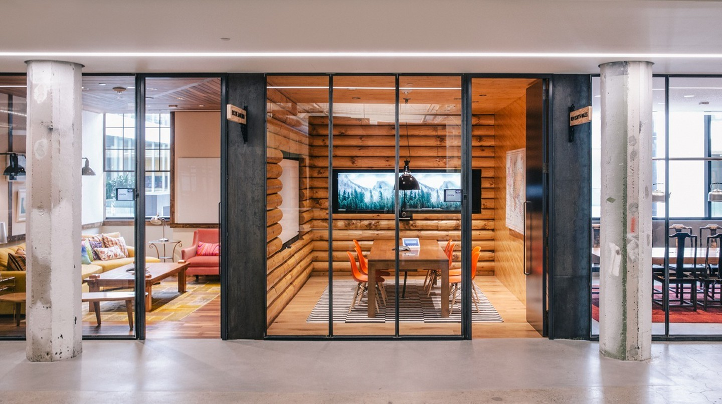 Airbnb Themed Meeting Rooms |© Courtesy of Officelovin