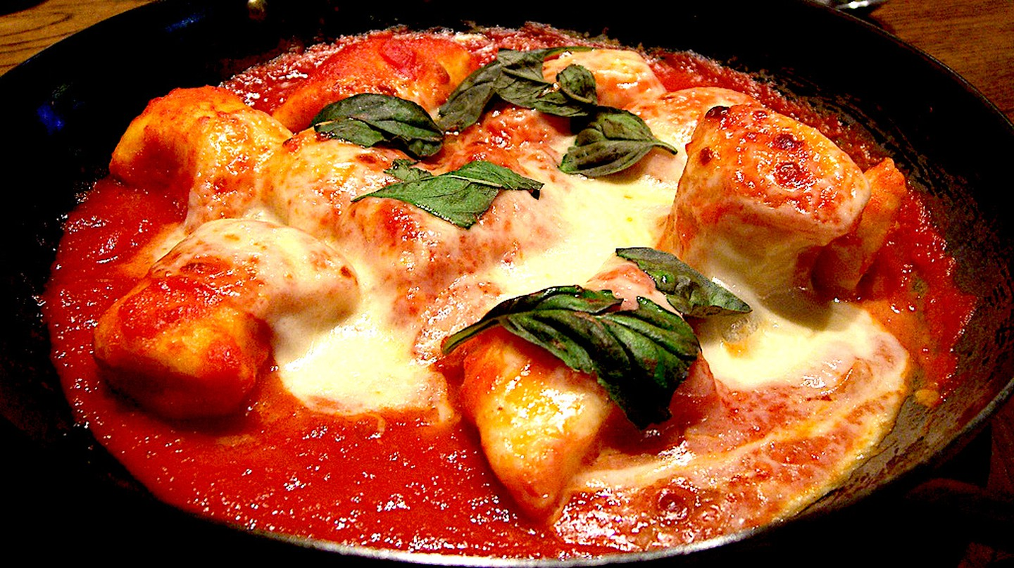 Gnocchi Napoli with mozzerella | © Alpha/Flickr