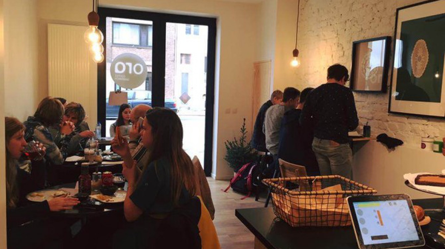 A busy coffee bar Ora | © Ora