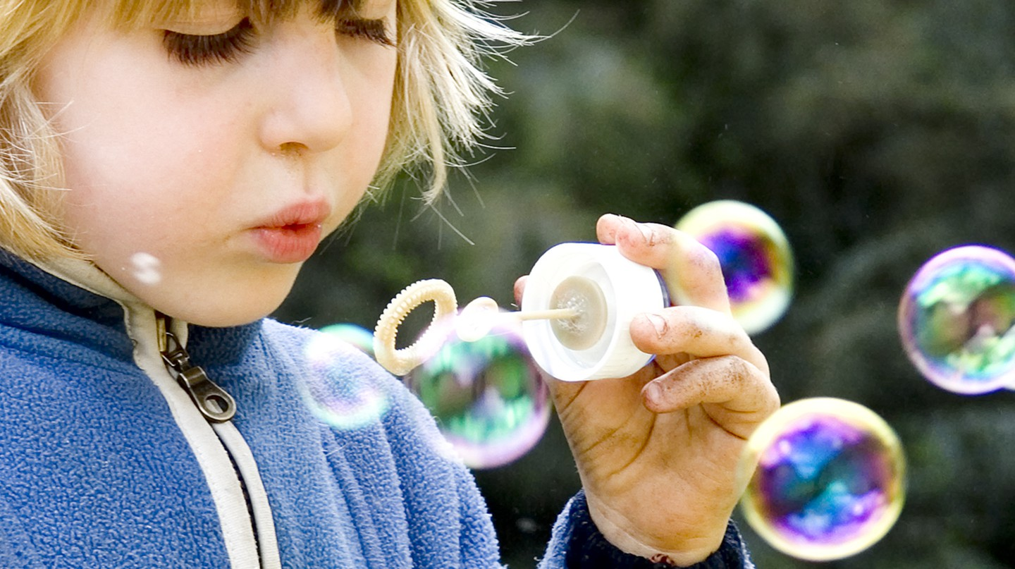 Child Blowing Bubbles © Steve Ford Elliott/Wikipedia