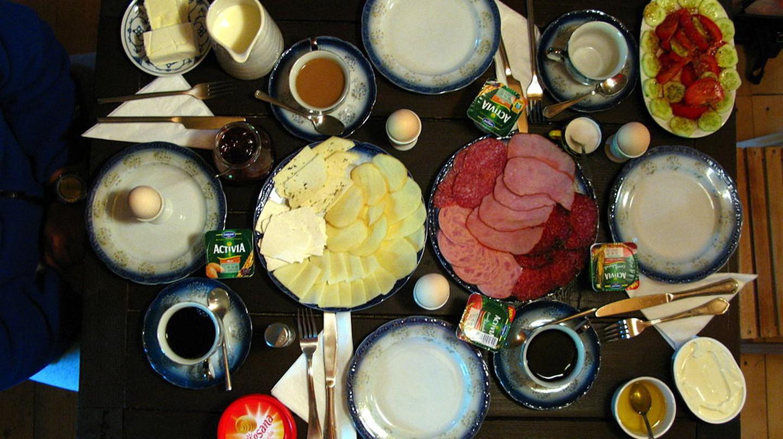 A Romanian Breakfast | © Joadl/WikiCommons