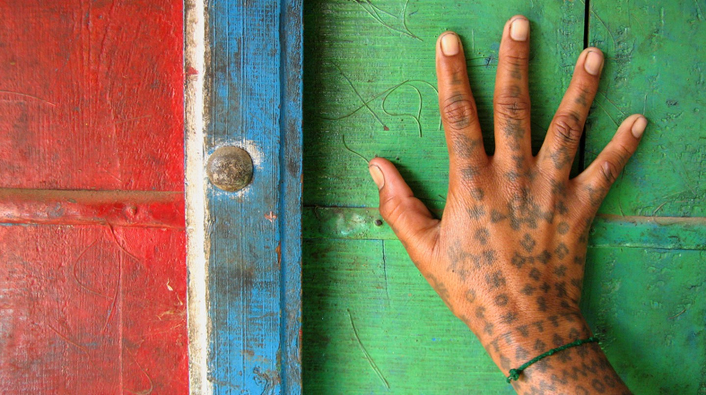 Hand Tattoo Of A Woman In Rabari Village, Bhadroi, Gujarat (C) Flickr/Meena Kadri