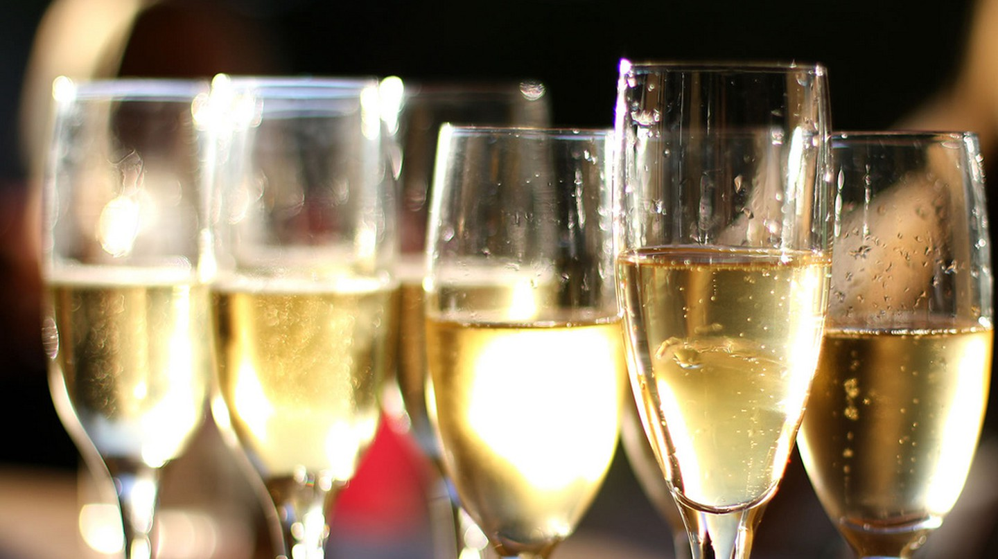 A glass of cava | © warrenski / Flickr