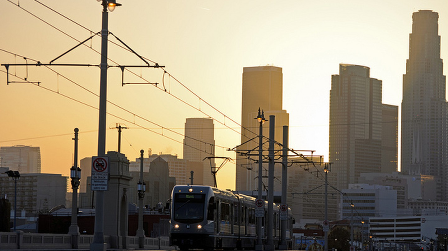 Eastside Gold Line and Los Angeles skyline © Steve and Julie/Flickr