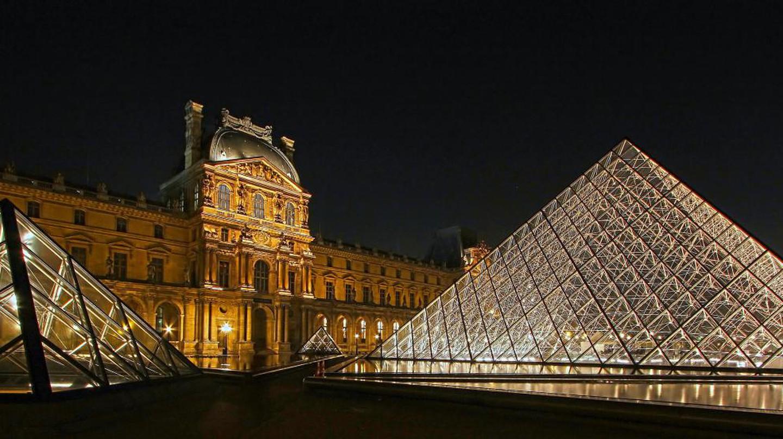 Louvre Pyramids | © photophilde/Flickr