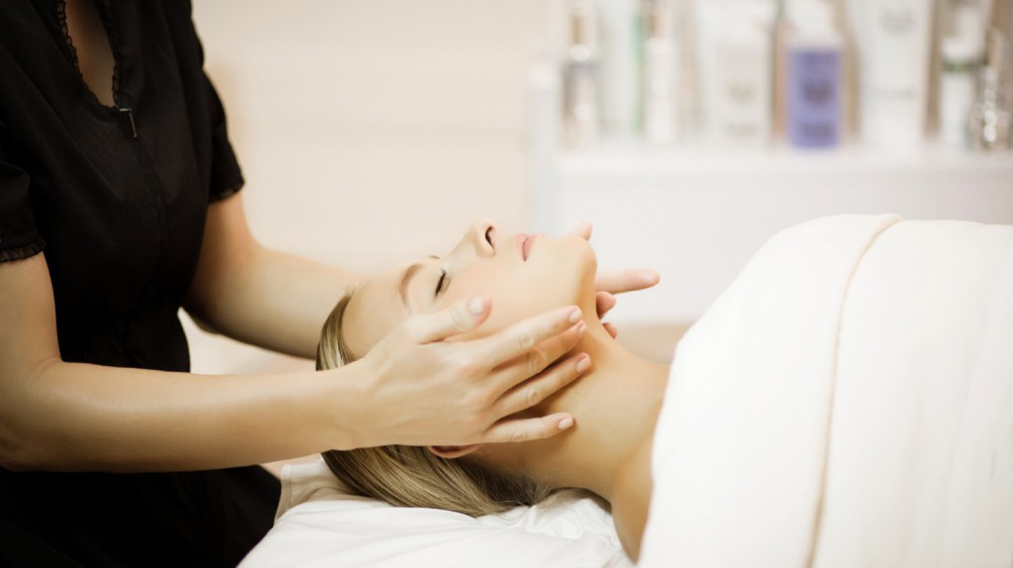 Facial at the Beverly Hills Hotel   | Courtesy of The Beverly Hills Hotel's Spa by La Prairie