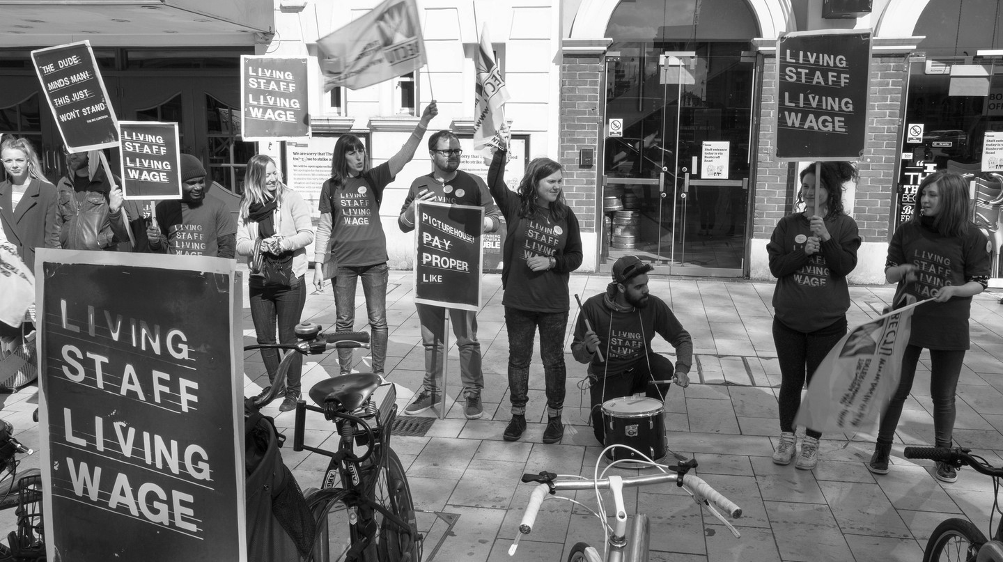 Striking Workers in Brixton | © M.o.B 68 / Flickr