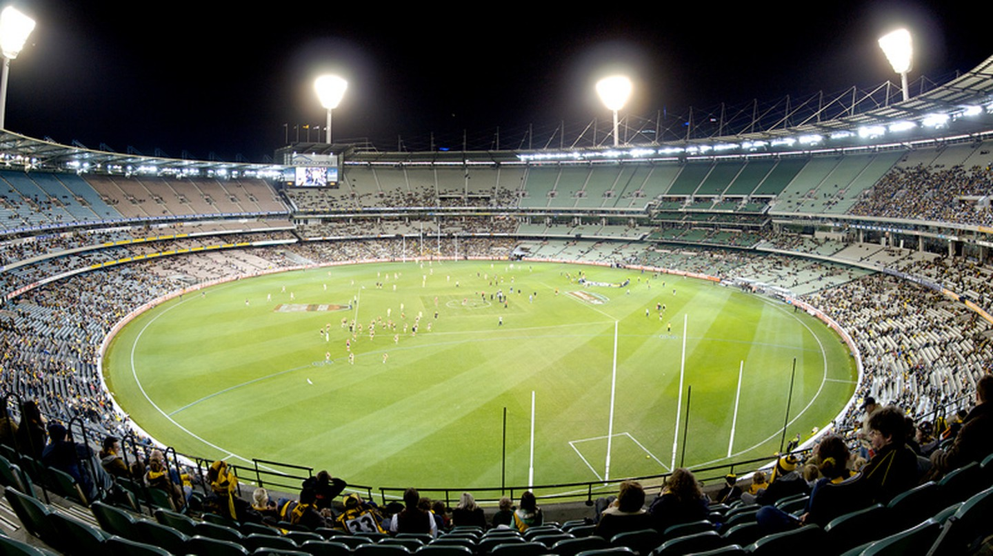The MCG at Night | © Sascha Wenninger/Flickr