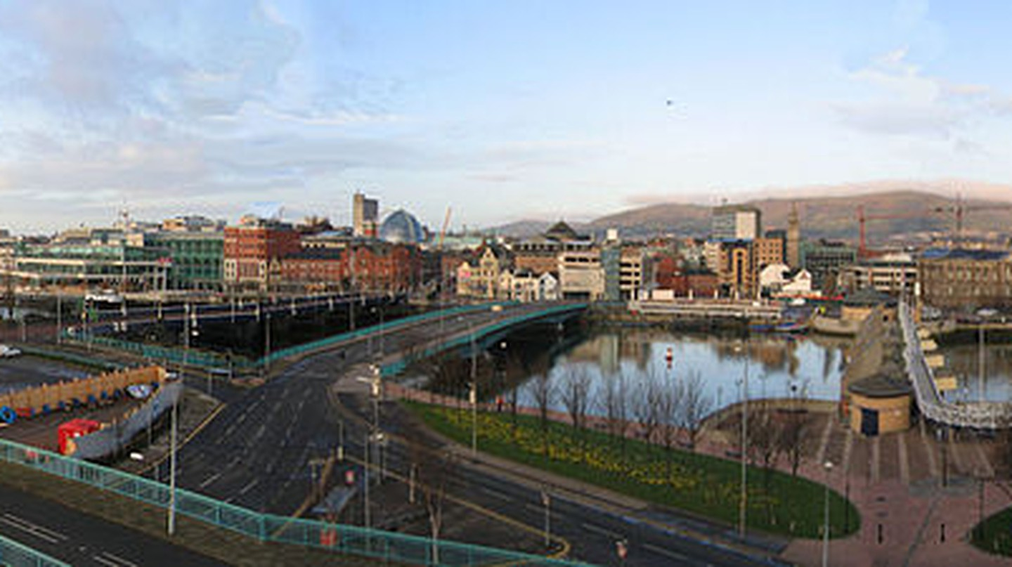 ©Whoever99/WikkiCommons   https://commons.wikimedia.org/wiki/File:Belfast-pano.jpg