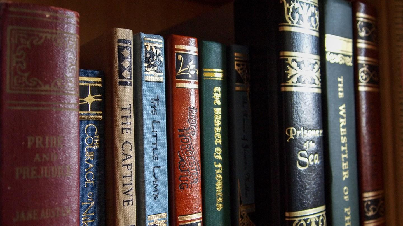 Classic Books © Pixabay