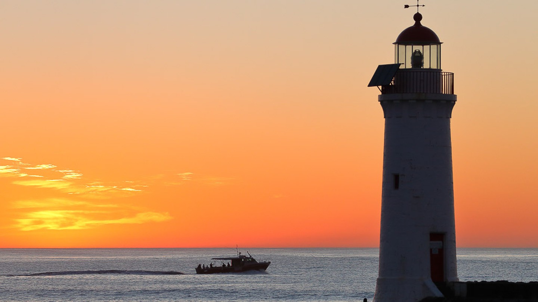 Port Fairy Light House on Griffith Island | ©Ed Dunens/ flickr