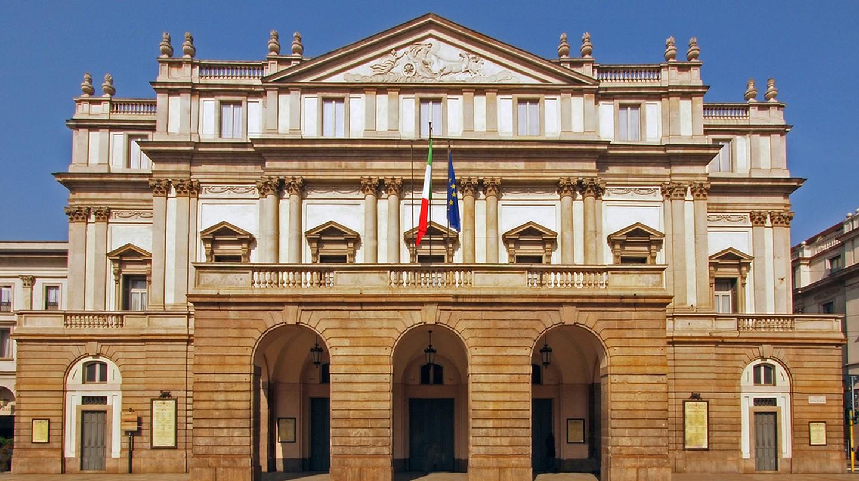 La Scala, Milan | © JohnPickenPhoto/Flickr