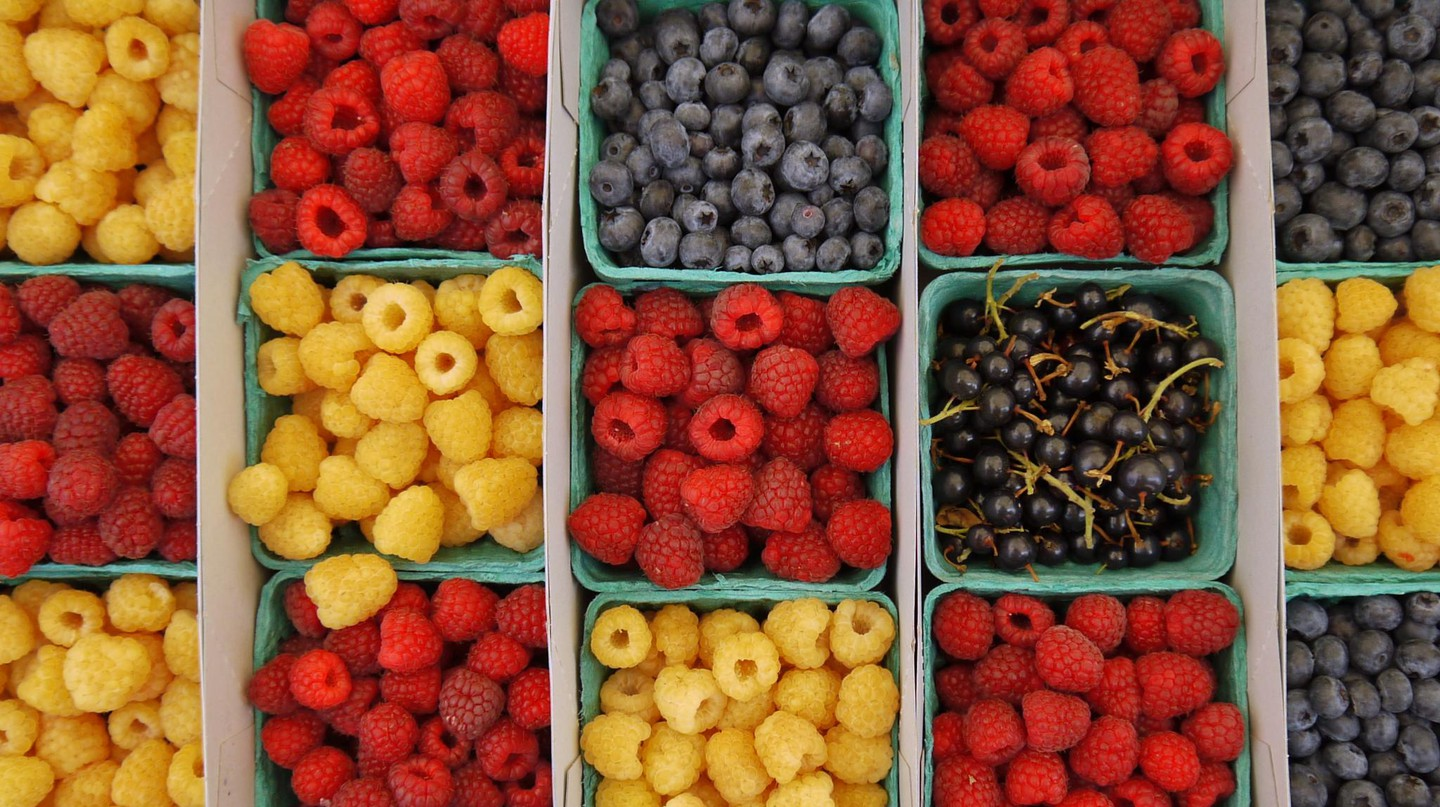 Berries at Santa Monica Farmers Market |©Jordan Fischer/Flickr