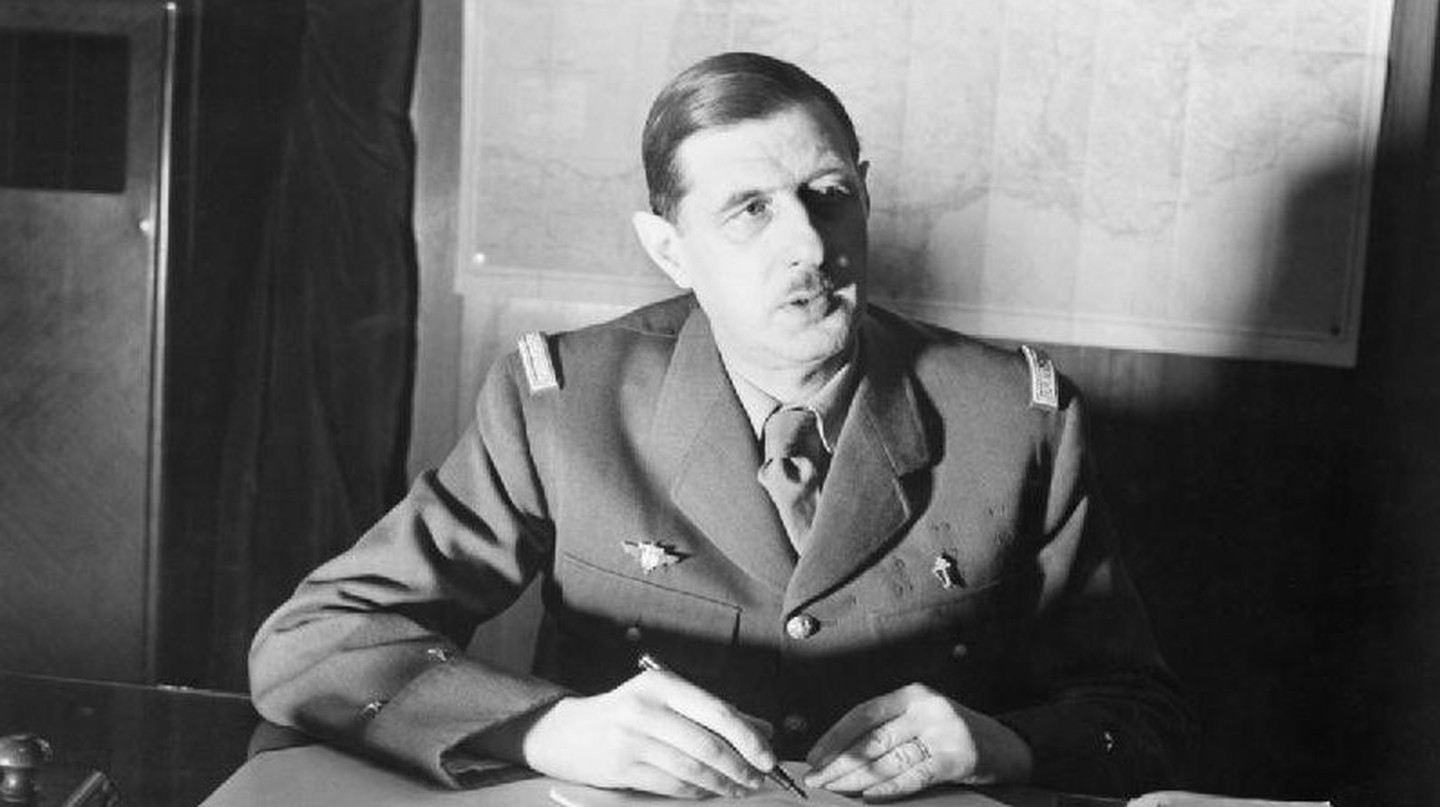 De Gaulle discussing strategy © Wikicommons