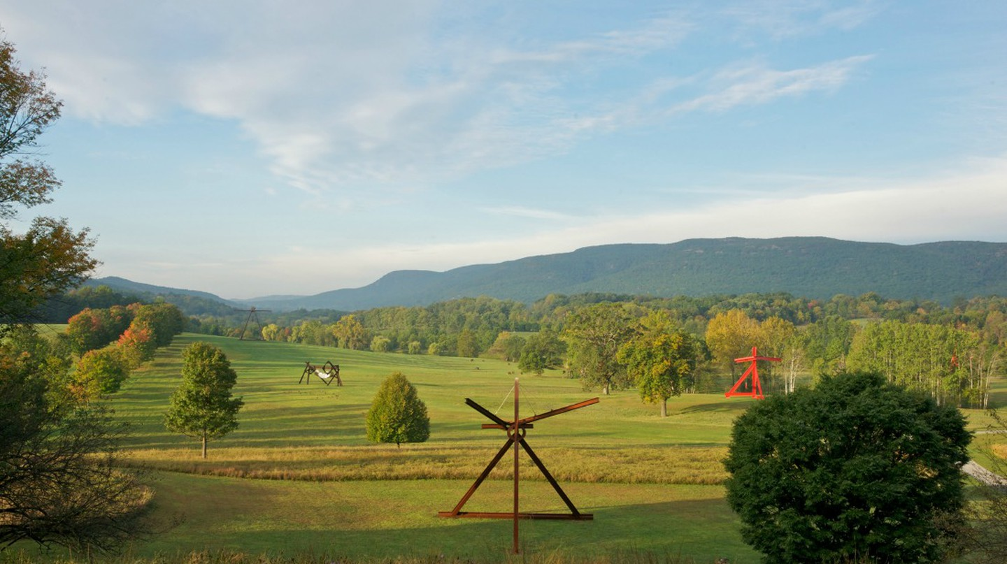 View of the South Fields. All works by Mark DiSuvero | © Jerry L. Thompson