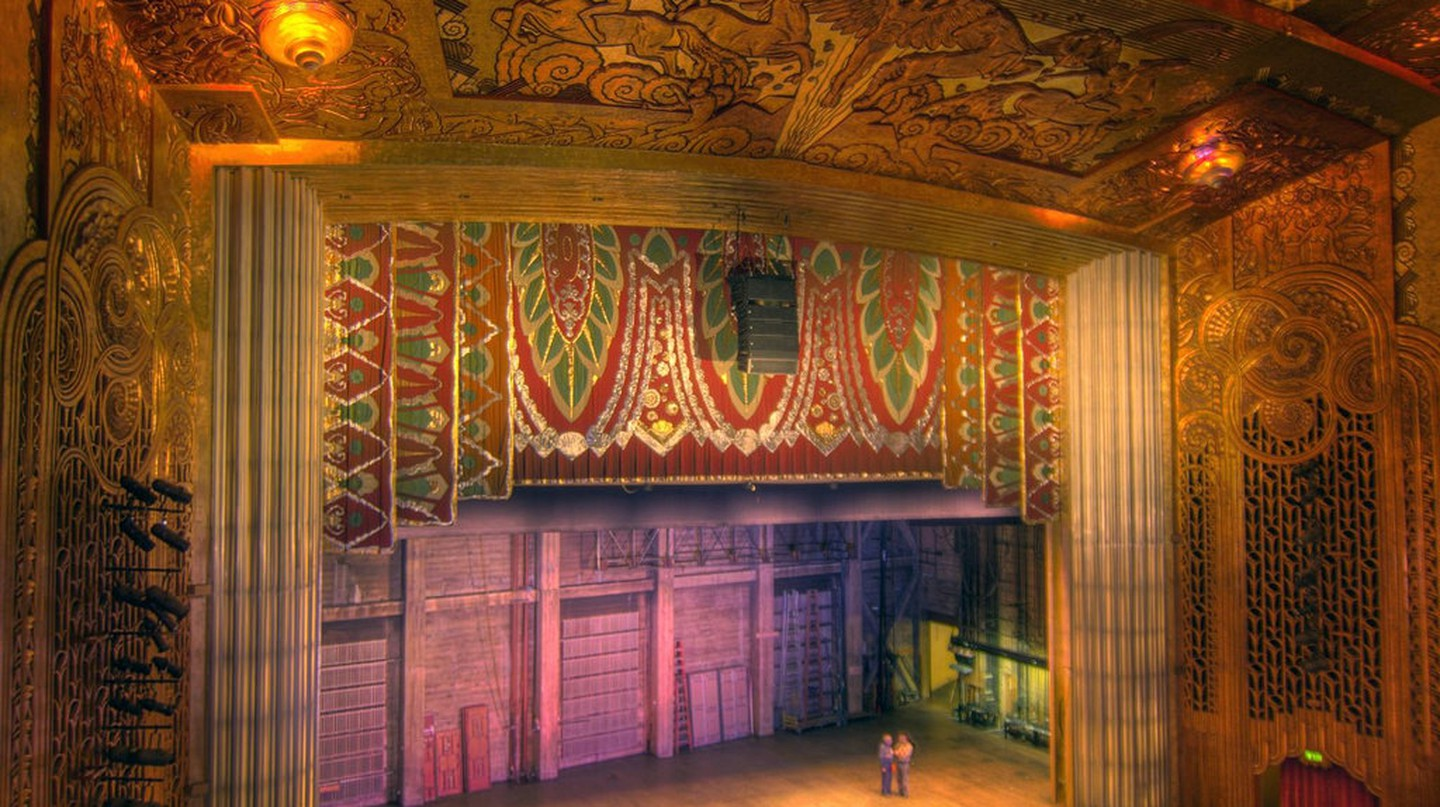 Paramount Theater, Oakland, CA | © BWChicago/Flickr