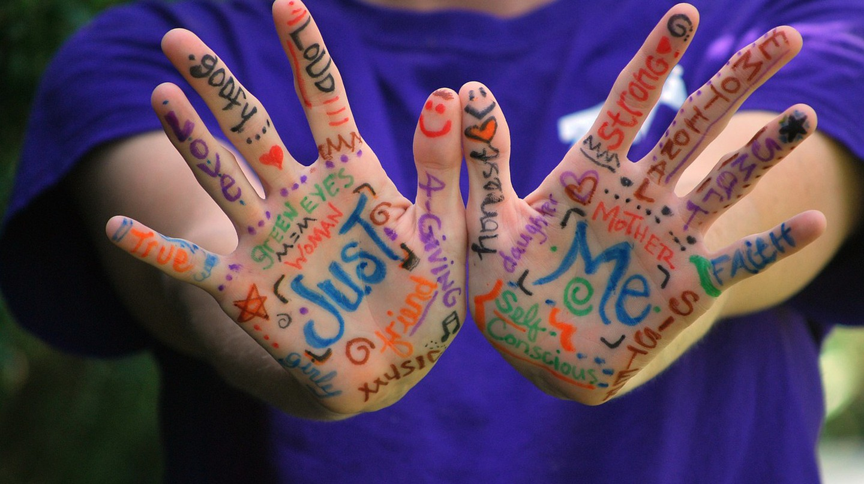 Hands Words │© Greyerbaby/Pixabay