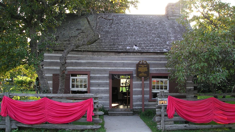 Scadding Cabin - CNE Grounds, Toronto | Public Domain/WikiCommons