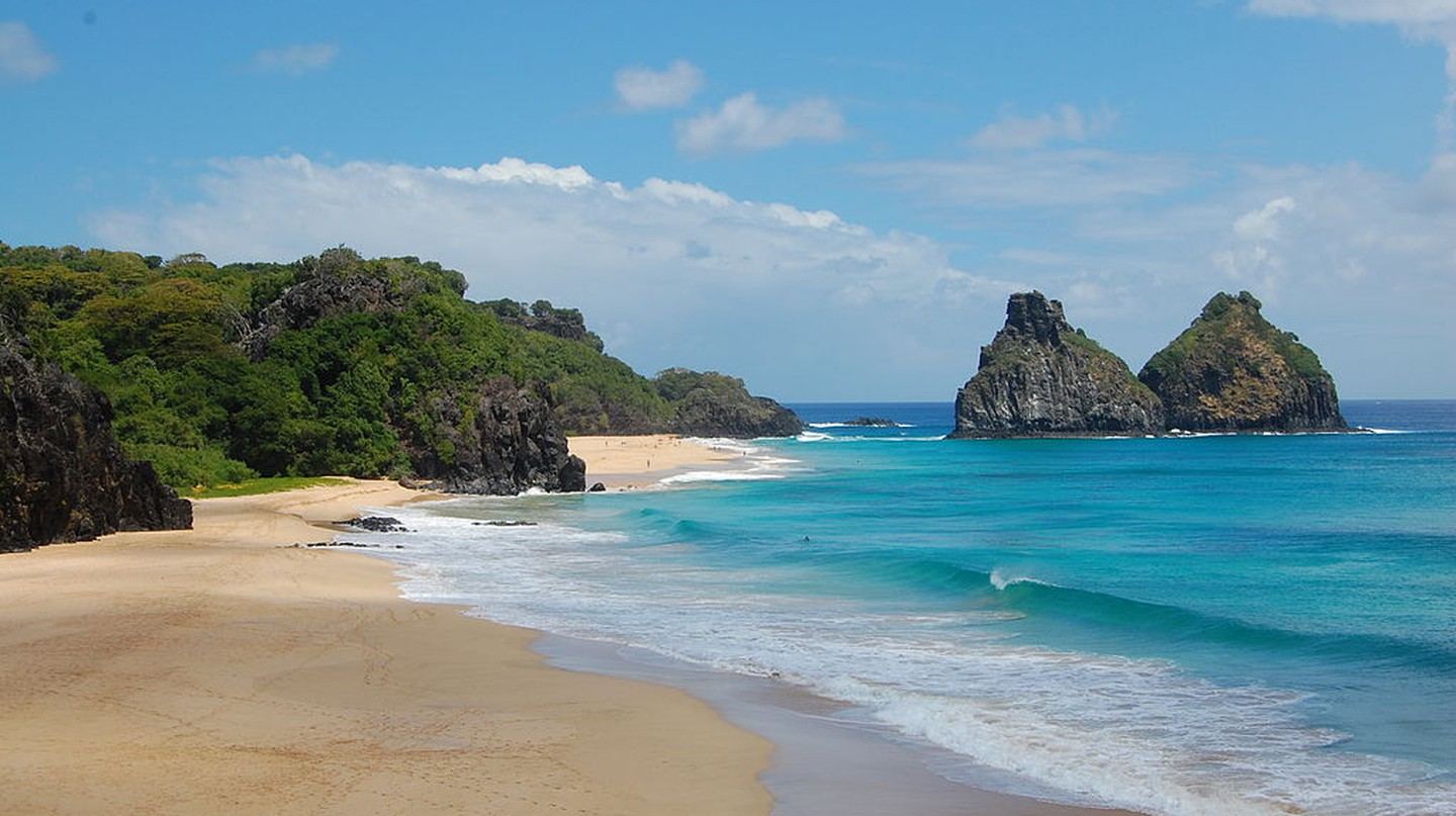 Beach in Fernando de Noronha, north of Brazil | Chronus/WikiCommons