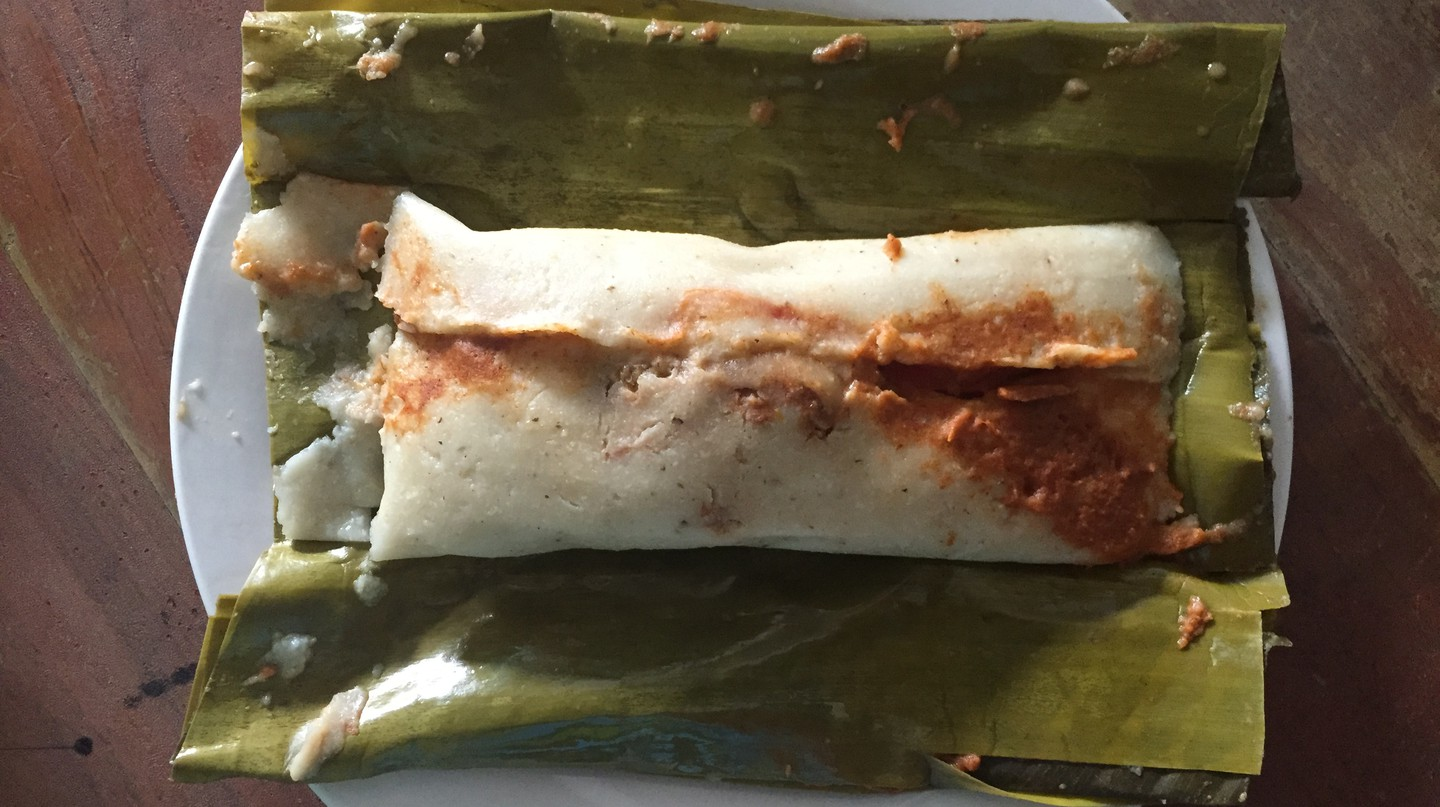 Banana leaf tamal | © David Amsler/Flickr