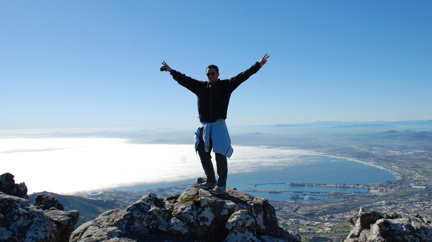 A hiker on Table Mountain © George Groutas/Flickr