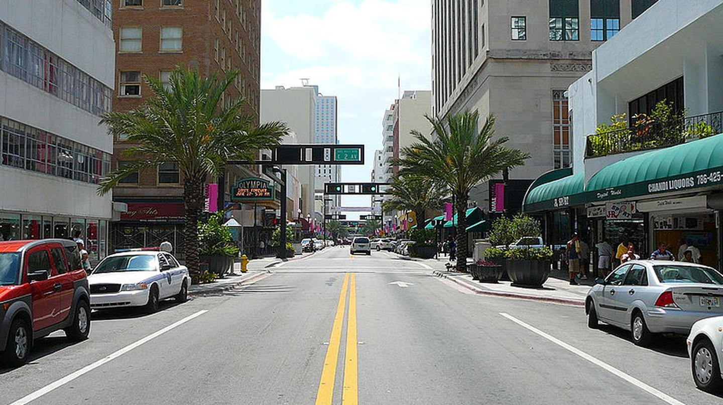 Flagler Street is one of Miami's oldest shopping destinations | Wikipedia Commons