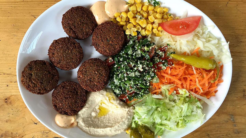 Falafel Mit Salat Und Hummus   © Marco Verch/WikiCommons