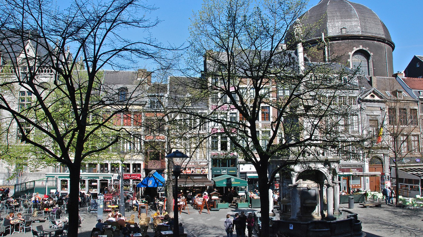 Liège's Place du Marché Square boasts a bunch of charming terraces | © Stephane Mignon/Flickr