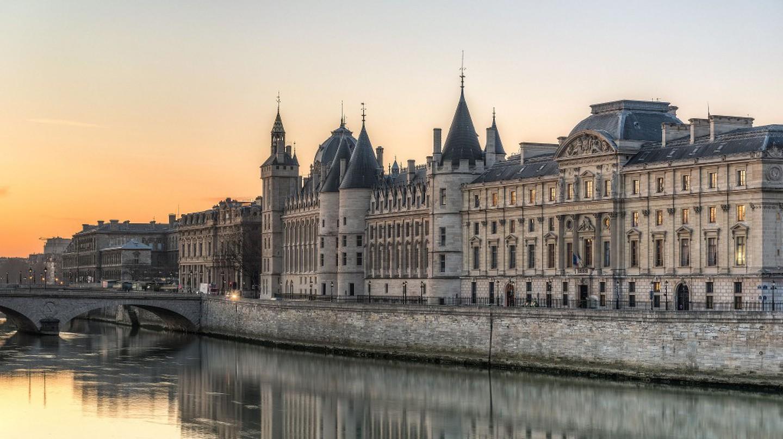 The Quai de l'Horloge in the 1st Arrondissement of Paris © Daniel Vorndran / DXR/WikiCommons