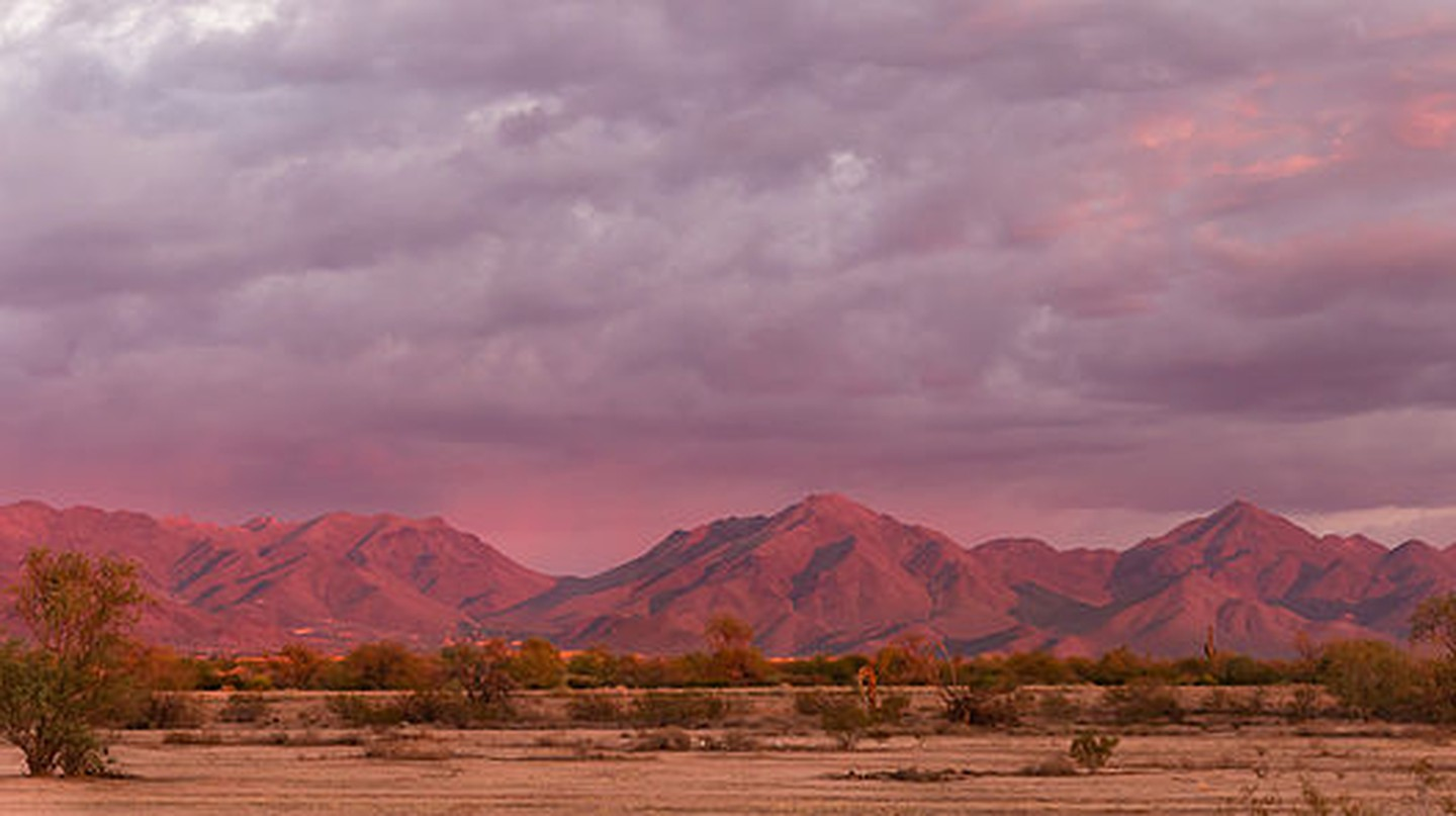McDowell Mountains at sunset | © Harald Nagel/WikiCommons