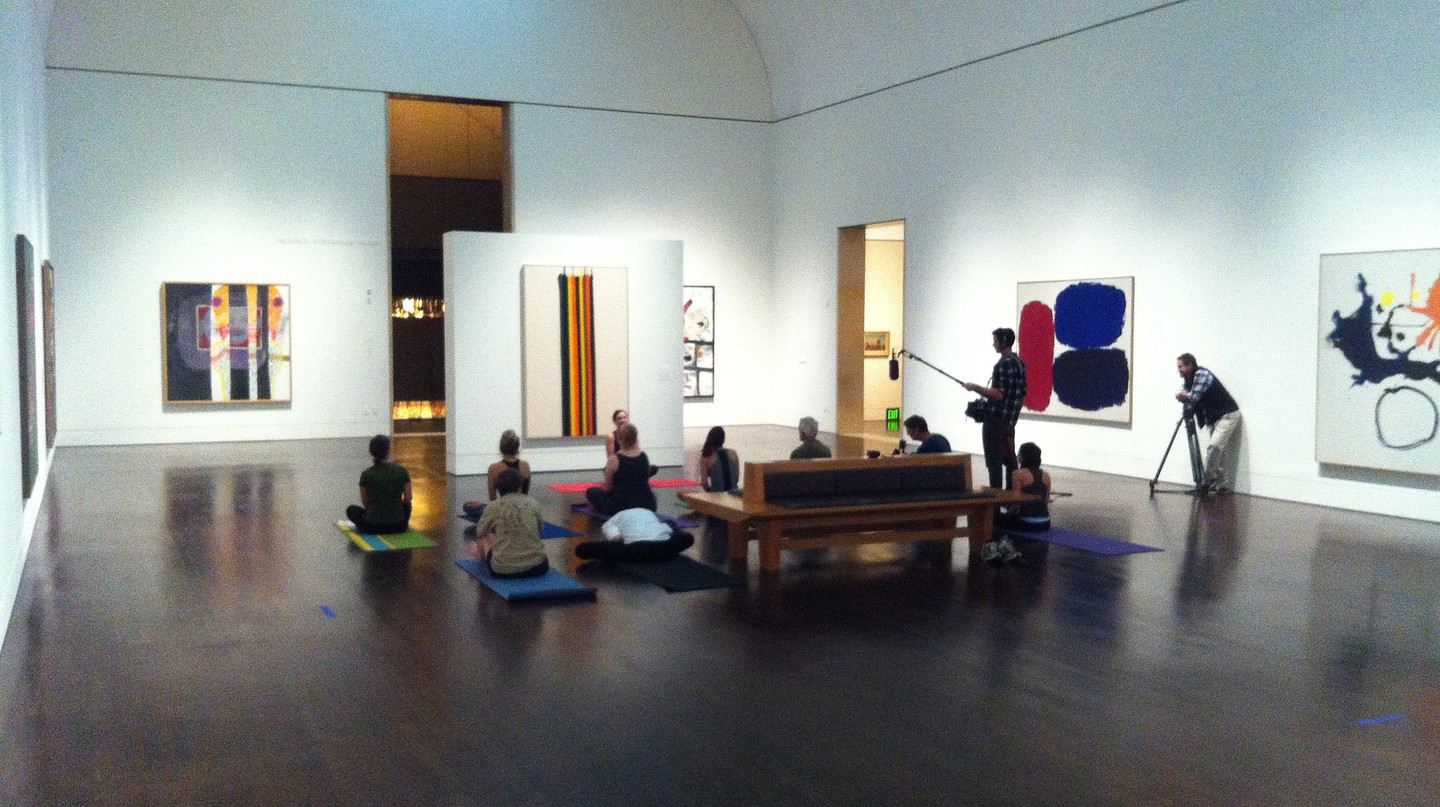 Yoga in the Blanton | © lee leblanc/Flickr