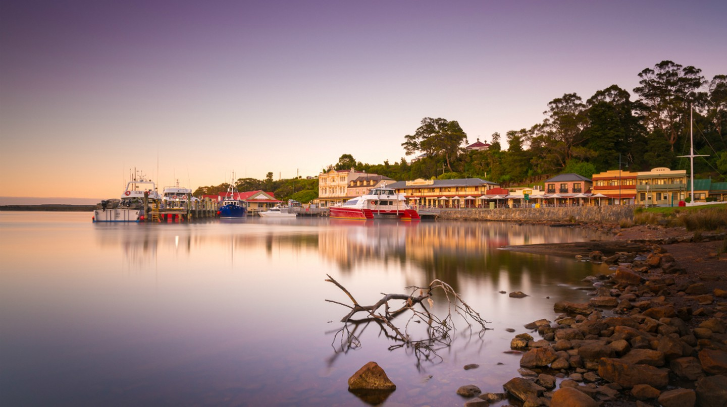 Strahan waterfront | © Paul Fleming