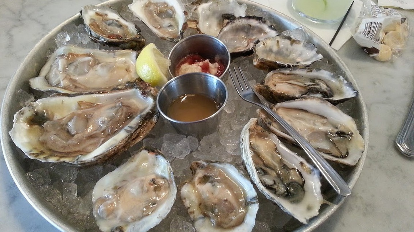 Oysters On The Half Shell | © Tim Evanson / Flickr
