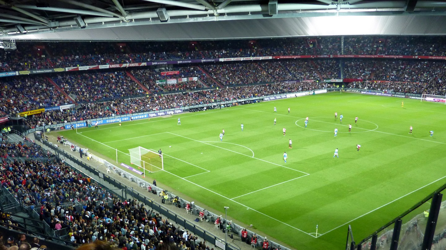 De Kuip at night | © Jeremy@flickr.com