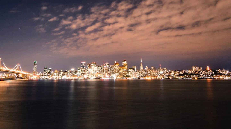 San Francisco Skyline by Night | © Franco Folini/Flickr