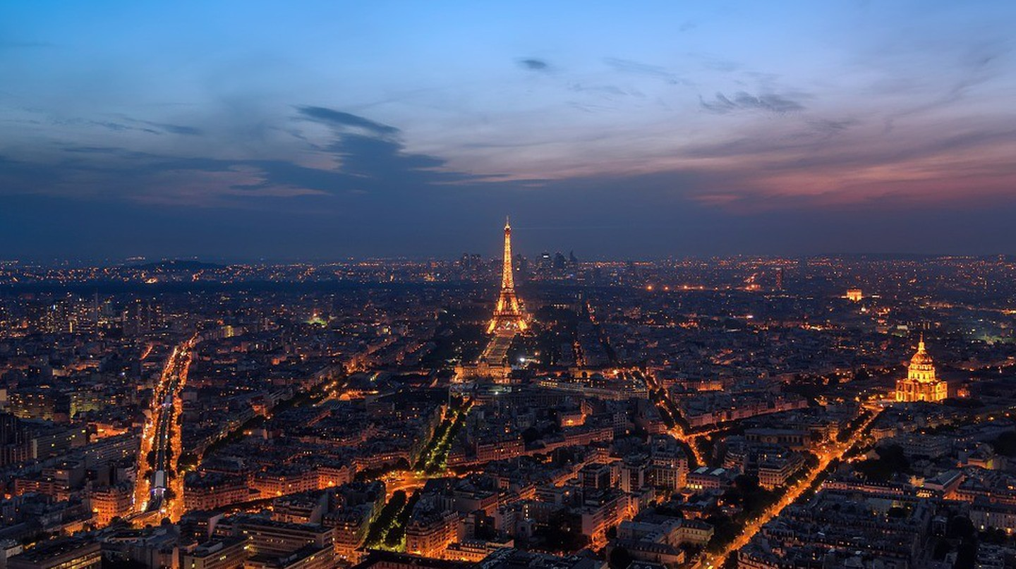 Night shot of Paris