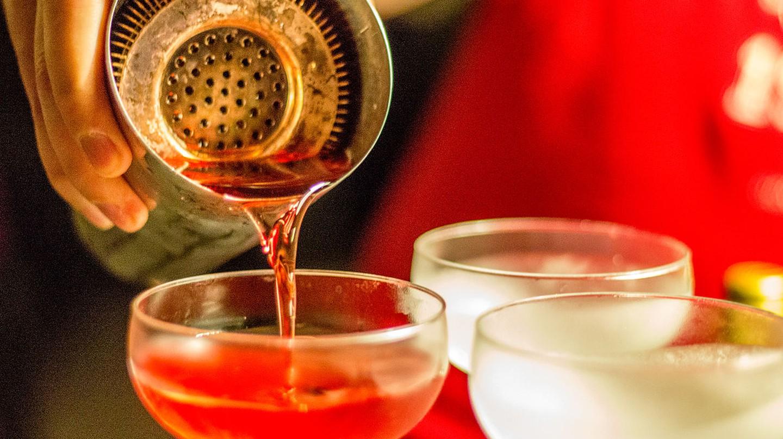 Making cocktails © Stefan Giesbert/Wikipedia