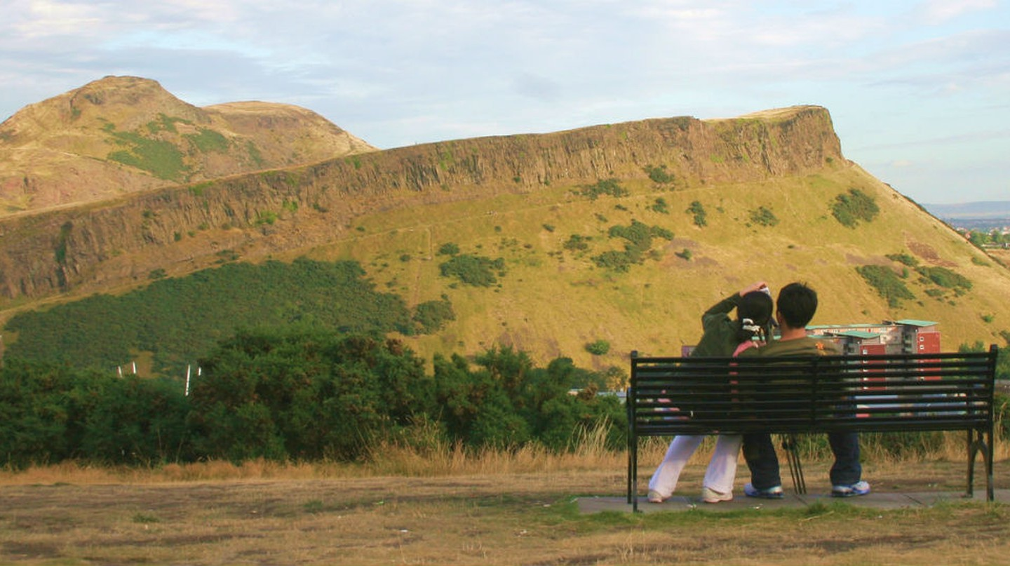 A Couple's Guide To Edinburgh